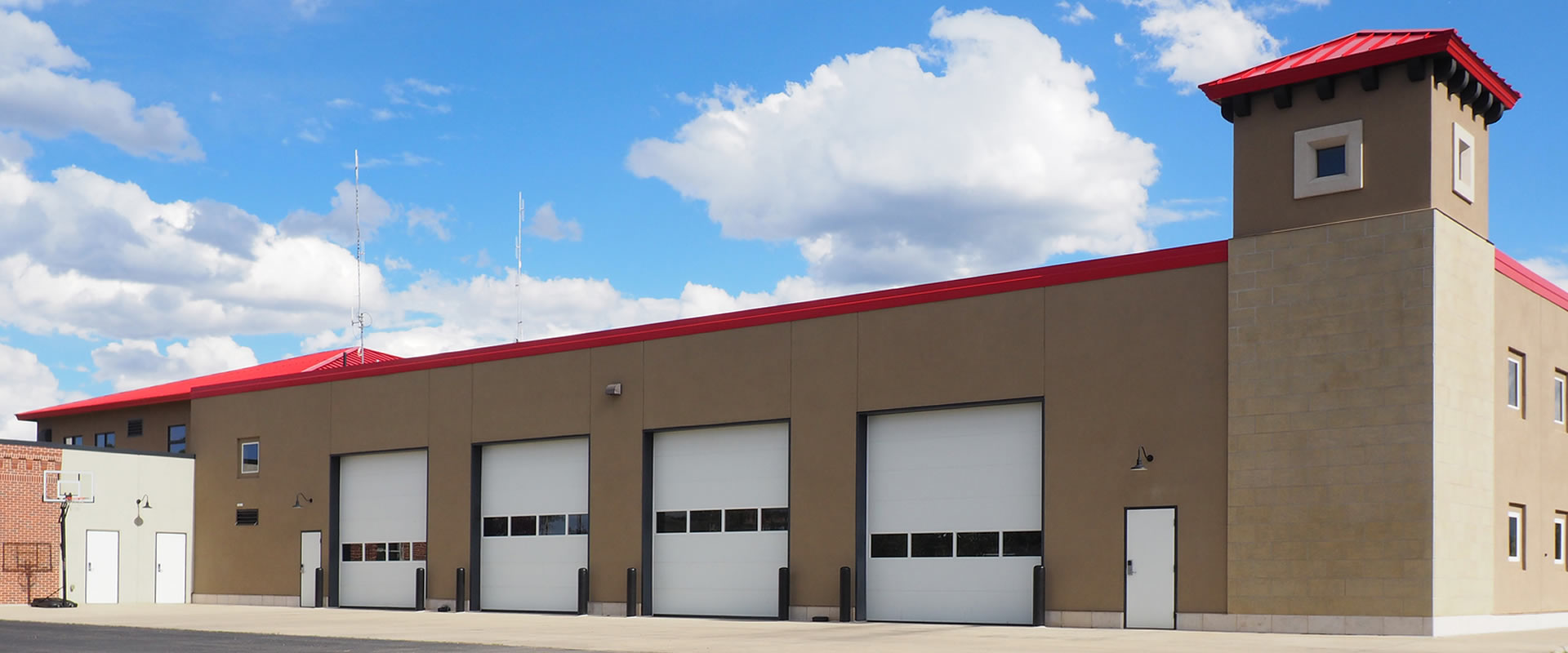 How to Choose a Commercial Garage Door?